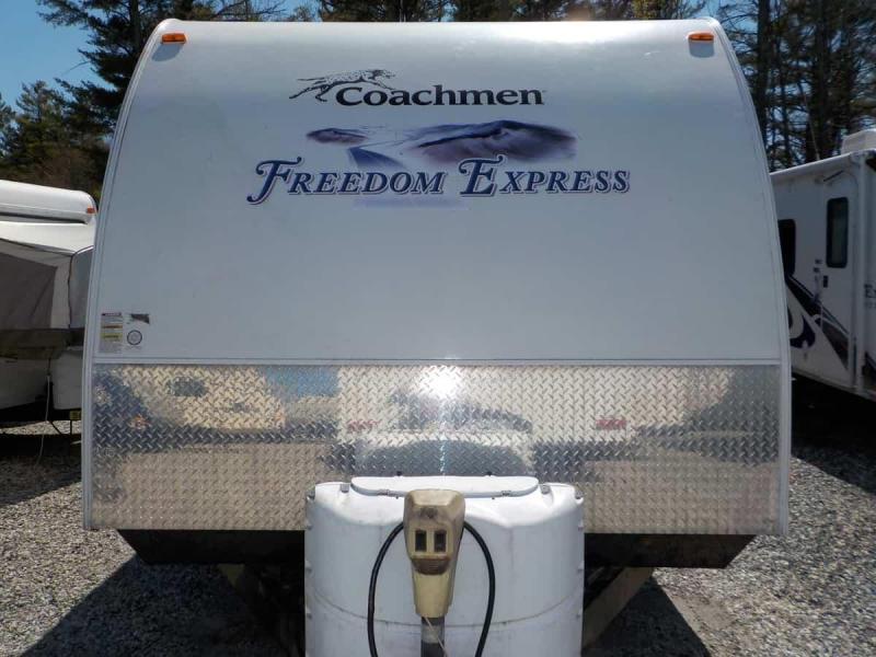 2011 Coachmen Freedom Express 295 RLDS Travel Trailer