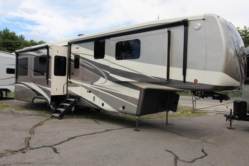 2021 DRV Mobile Suites 38 RSSA Fifth Wheel Campers