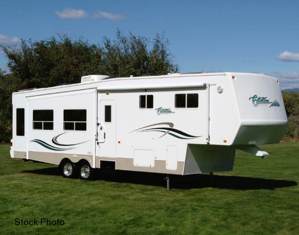 2004 General Coach Citation 33-5 M Fifth Wheel Campers