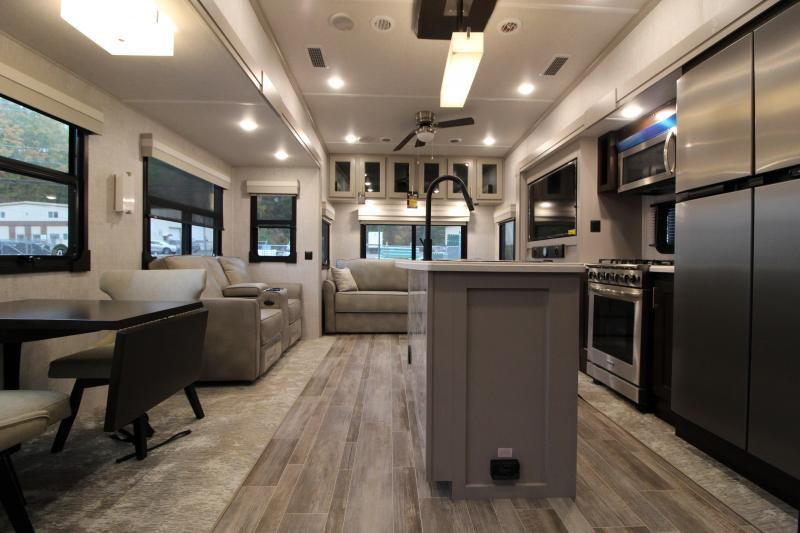 2021 Coleman 383 FB Fifth Wheel Campers