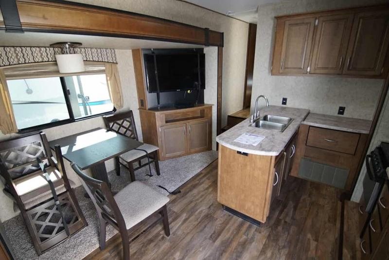 2017 Forest River Wildcat 26 CK Fifth Wheel Campers