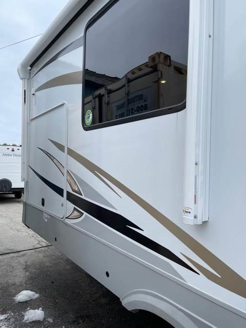 2021 Palomino Columbus 378 MBC Fifth Wheel Campers
