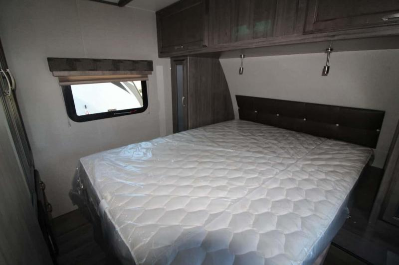 2019 Winnebago 29 DDBH Camping / RV Trailer