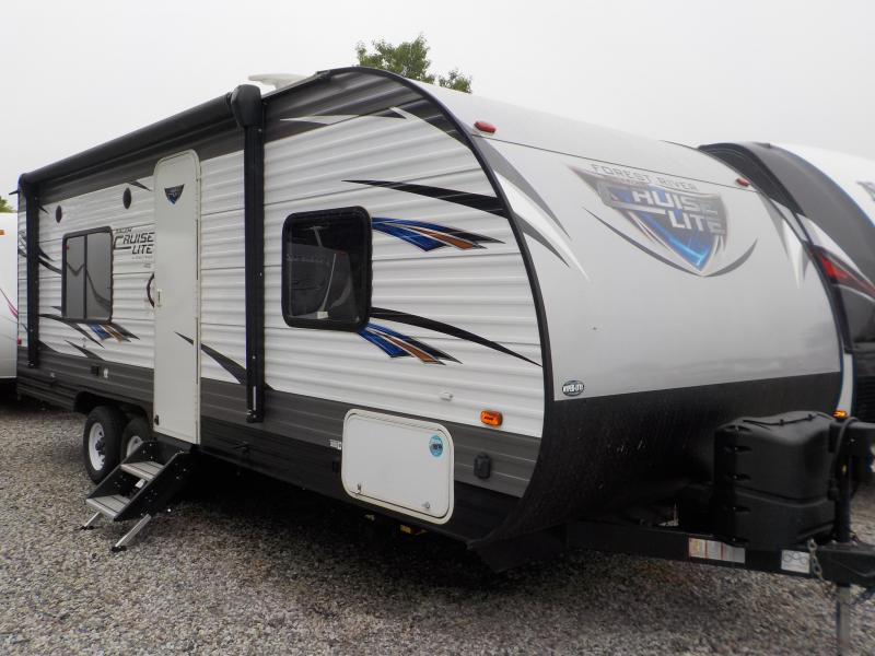 2018 Forest River, Inc. Wildwood X-Lite 241 QBXL Travel Trailer