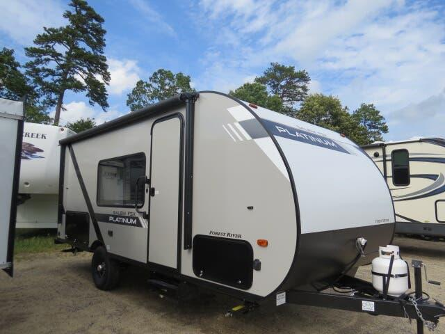 2020 Forest River Salem FSX 179DBK Platinum Pkg smooth sides