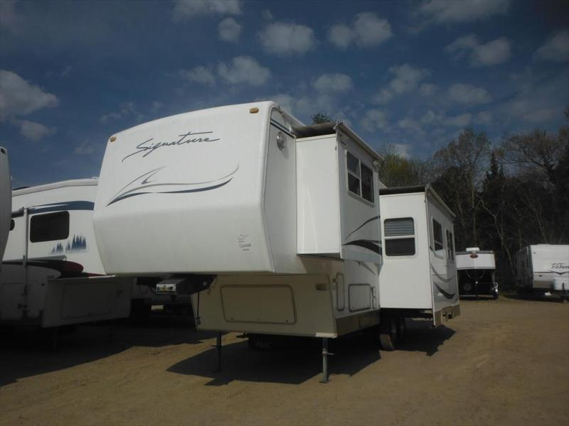 2000 Rockwood  SIGNATURE 28rk