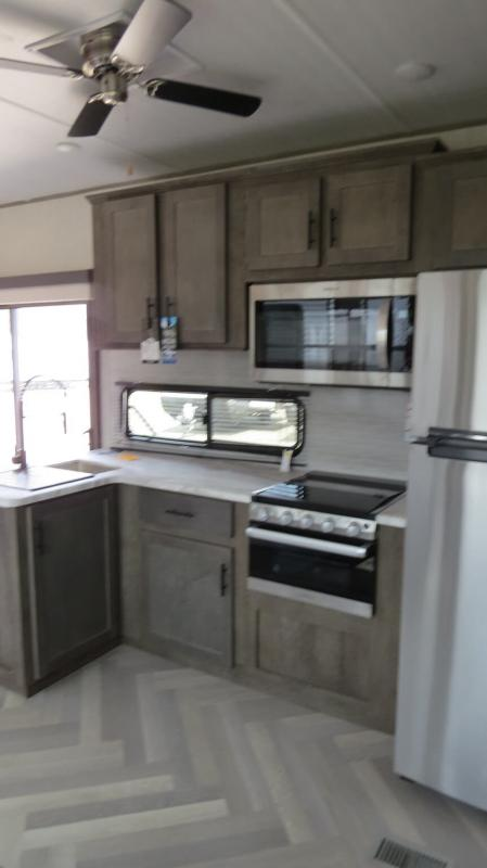 2021 Forest River Salem Villa 4002Q