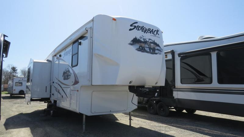 2012 Forest River Cedar Creek Silverback 29RL