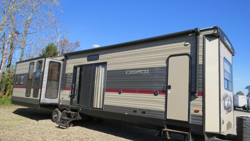 2018 Forest River Cherokee Destination 39BR