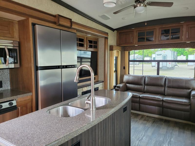 2017 Keystone Montana 3160RL