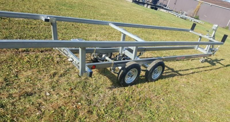 2020 Wolverine 28' Pontoon Trailer All Pro Galvanized Tandem Crank Up