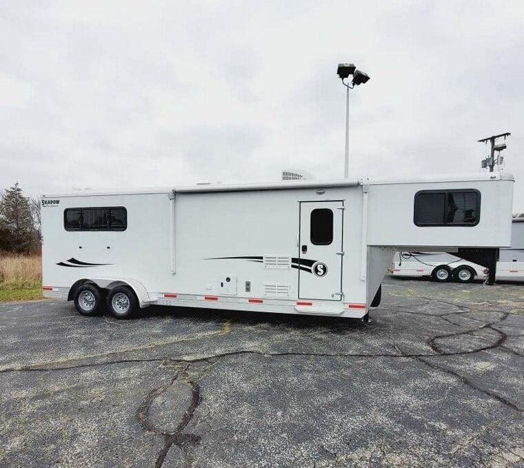 2021 Shadow Trailer World Getaway- 69236-3SL-GN-9'LQ Horse Trailer