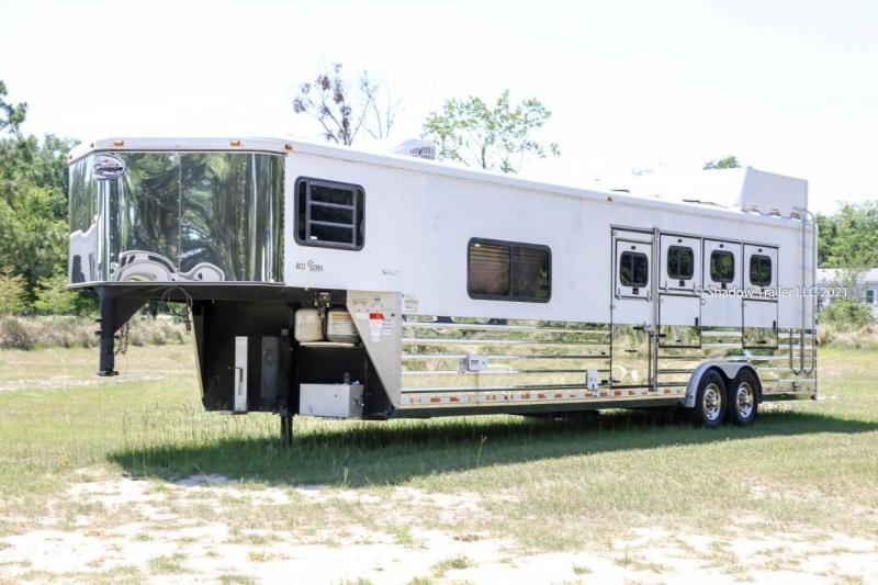 2005 Sundowner 4 Horse Slant Load Gooseneck w/ Living Quarters