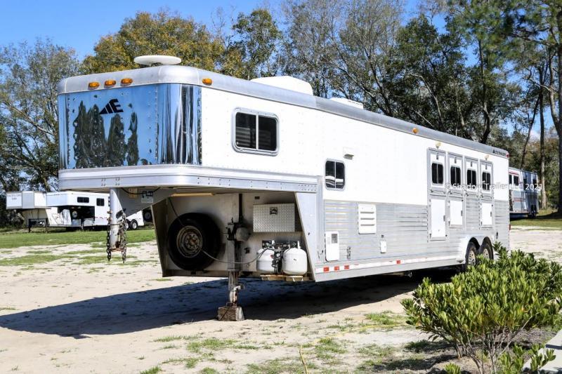 2003 Elite Pro 4 Horse Slant Load Gooseneck w/ Living Quarters