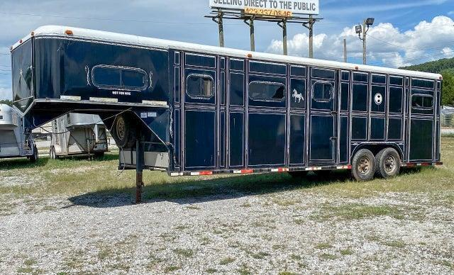 1995 Cherokee 6 Horse Head to Head Trailer w / Escape Door