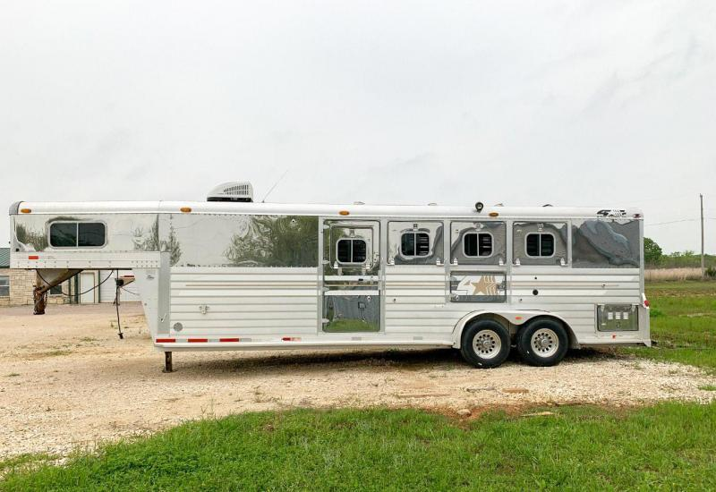 2001 4Star 4 Horse Trailer Slant Load with Living Quarters SKU LQ73128A