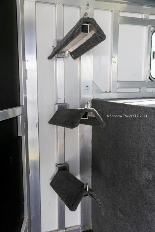 2013 Shadow Select 3 Horse Slant Gooseneck