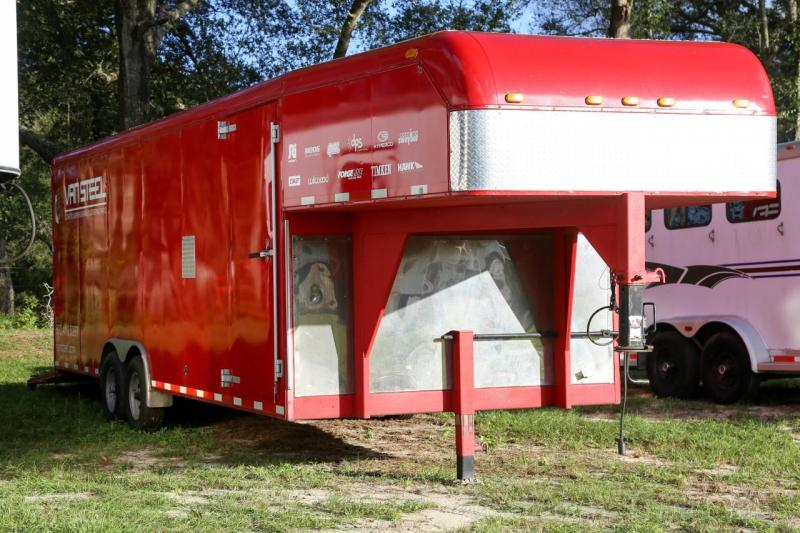 2000 Triple B 14 ft. enclosed trailer