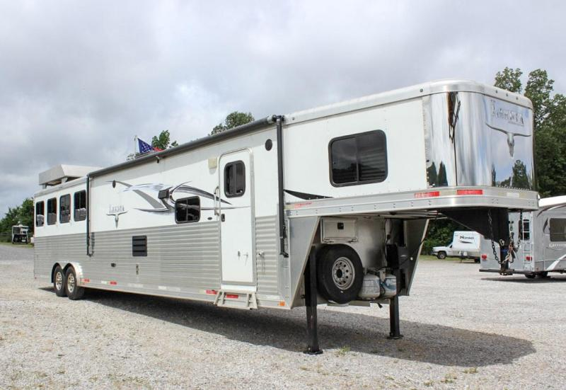 2015 Lakota Big Horn 4 Horse Slant Load Living Quarters