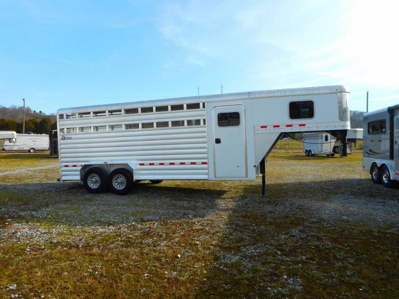 2014 Keifer Built Deluxe II Gooseneck Horse Trailer