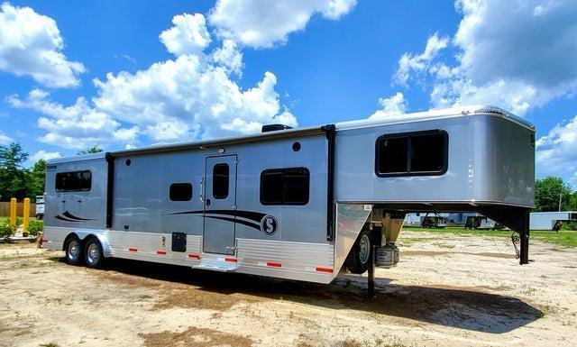 "2020 Shadow Pro 3 Horse Trailer Slant Load Gooseneck w/ 14'6"" Living Quarters"