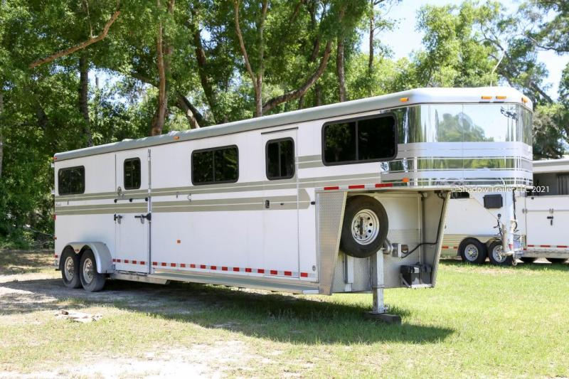 2007 Hawk  4 Horse Head to Head Trailer Gooseneck