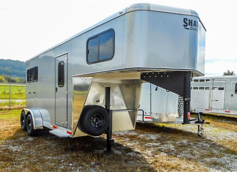2021 Shadow Trailers 64136W-2SL-GN Horse Trailer