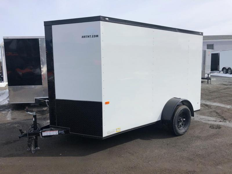 ROCK SOLID 2022 6' x 10' SINGLE AXLE SEMI-SCREWLESS WHITE WITH BLACKOUT PACKAGE  ENCLOSED TRAILER