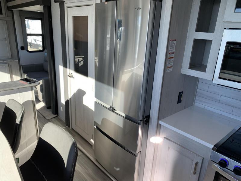 2022 Keystone RV Sprinter Limited 3530DEN Fifth Wheel Campers RV