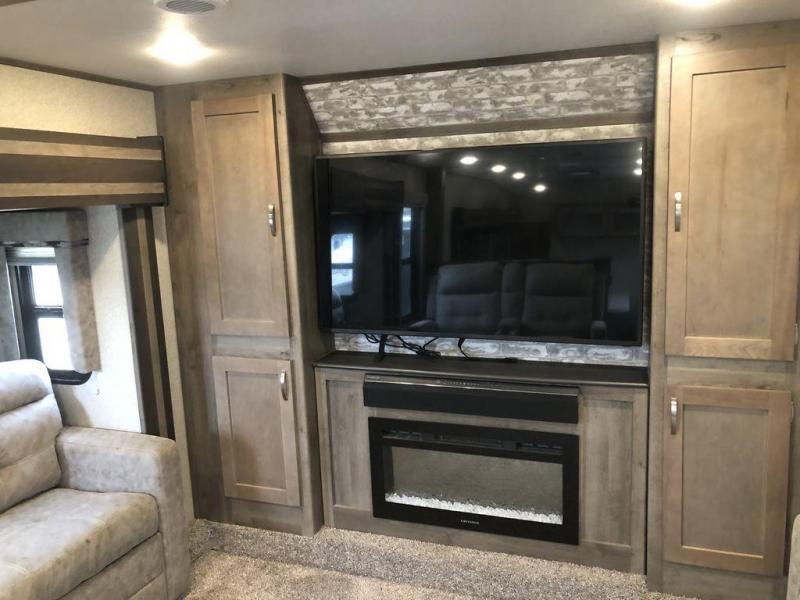 2019 Keystone RV Sprinter Limited 3341FWFLS
