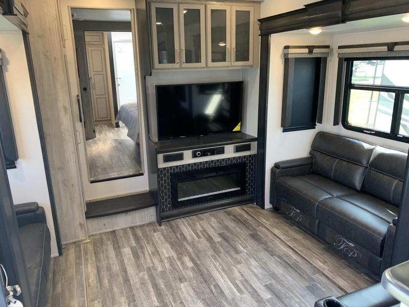 2022 Keystone RV Alpine 3790FK Fifth Wheel Campers RV