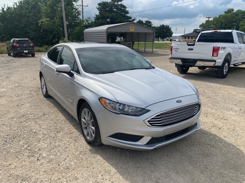 2017 Ford SE