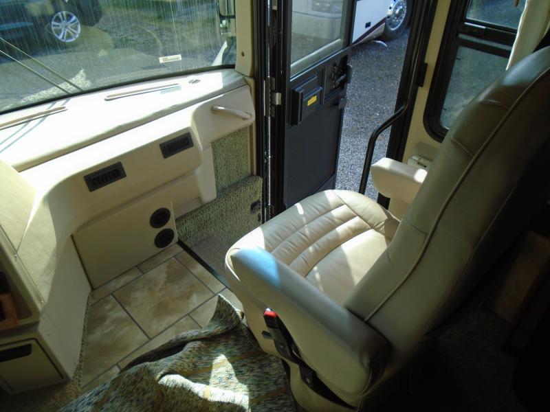 2007 Winnebago Journey 34SH Class A RV