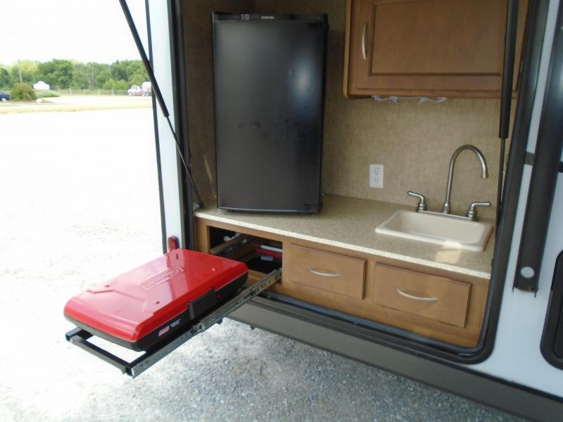 2015 Coachmen APEX Ultra-lite 215RBK Travel Trailer