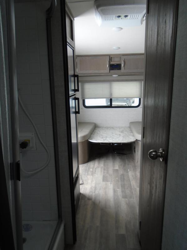 2021 Gulf Stream Vista 19ERD Travel Trailer RV