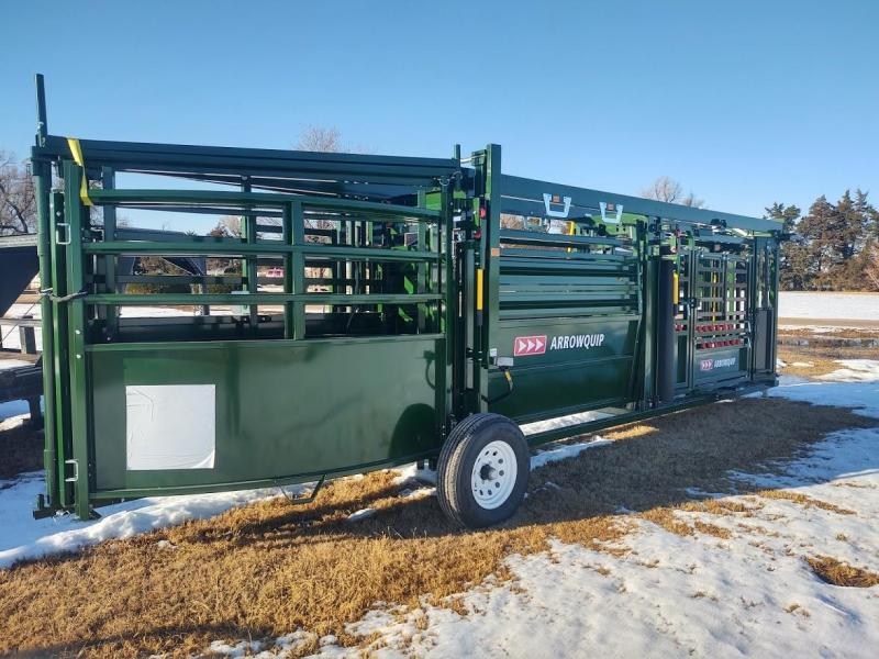 2021 Arrowquip Q-CATCH 87 SERIES PORTABLE CATTLE CHUTE ALLEY AND TUB Livestock with budflow gate add