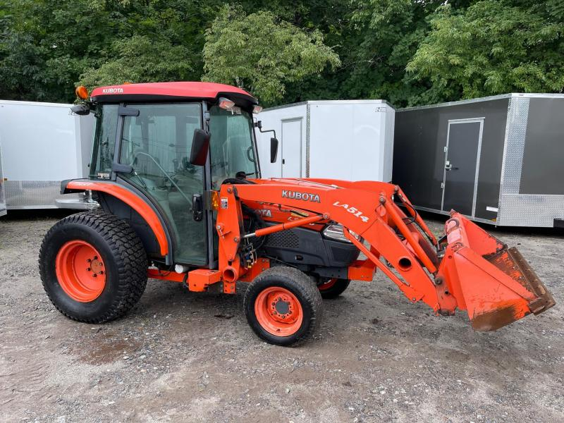 2008 L3240 Kubota 4x4 34hp diesel Tractor with cab/ 1100 hours
