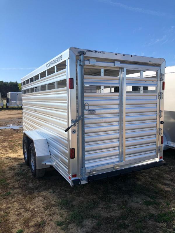 2022 Featherlite 8107 Livestock Trailer
