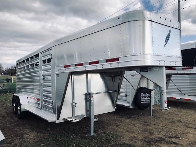 2020 Featherlite 8117-16' Livestock Trailer