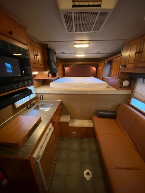 2004 Featherlite 3H 9' Shortwall LQ