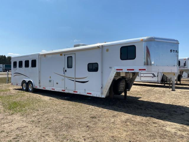 2008 Bison Trailers Stratus Express Horse Trailer