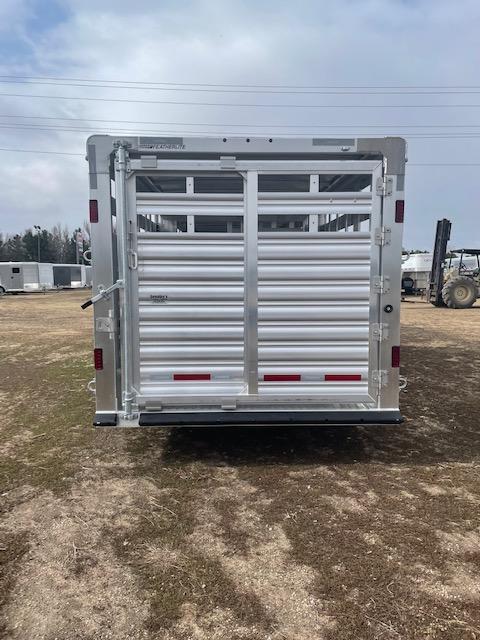 2021 Featherlite 8127 7.6 X 28'' Livestock Trailer