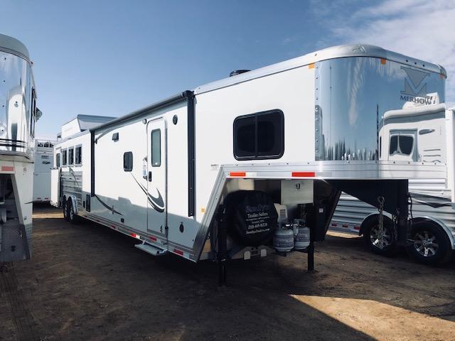 2020 Merhow Trailers 8417 Horse Trailer