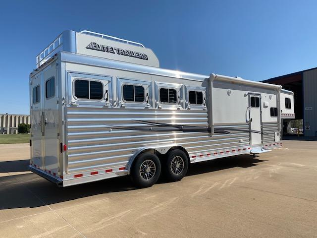 "2021 Elite Trailers 10'8"" Mustang Horse Trailer"