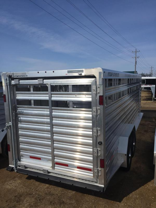 2020 Featherlite 8127-24' Livestock Trailer