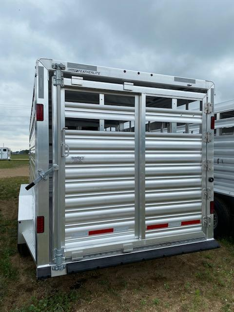 2022 Featherlite 8127 Livestock Trailer