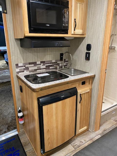 2021 Bison Trailers Quick Draw Horse Trailer