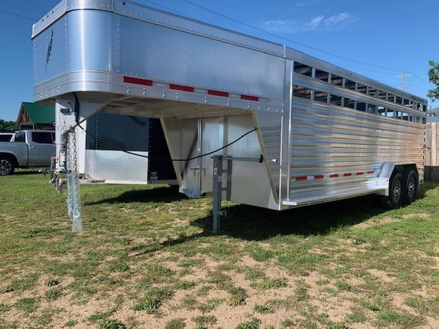 2021 Featherlite 8127-20' Livestock Trailer