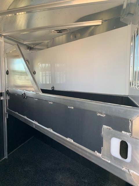 2021 Featherlite 7441-2H Horse Trailer