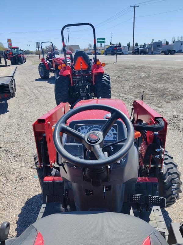 2021 Mahindra 1600 Series 1626 SST Backhoe Tractor